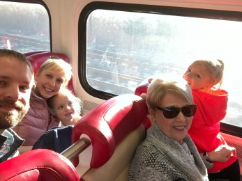 Only tourists are this happy on Metro North!